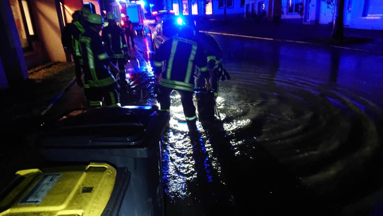 H1 Überflutung einer Straße